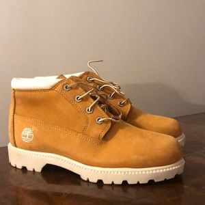 Women's timberland boots size 8